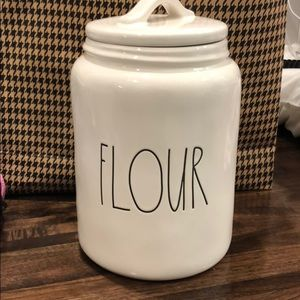 New Large Rae Dunn FLOUR canister